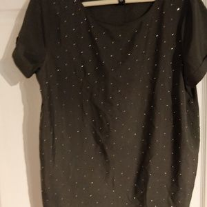 Gap light weight top with studs